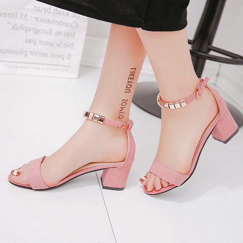 Металлические шнурки из бисера Летние женские сандалии с открытым носком Женская обувь Sandles Квадратный каблук Обувь корейского стиля Гладиатор