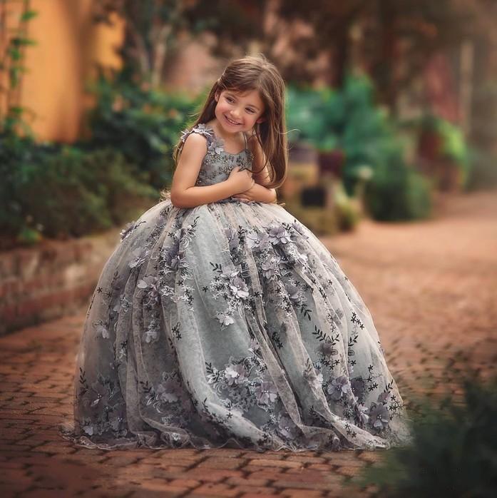 Yüksek Kaliteli Dantel Küçük Kızlar Yarışması Elbiseler 3D Aplikler Bebek Balo Çiçek Kız Elbise Kat Uzunluk Boncuklu ilk komünyonu Abiye