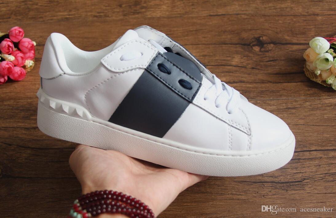 a buon mercato all'ingrosso uomini donne dal design di lusso sneakers scarpe aperte con superiore dimensione 9 colori scatola originale 34-46 in vendita