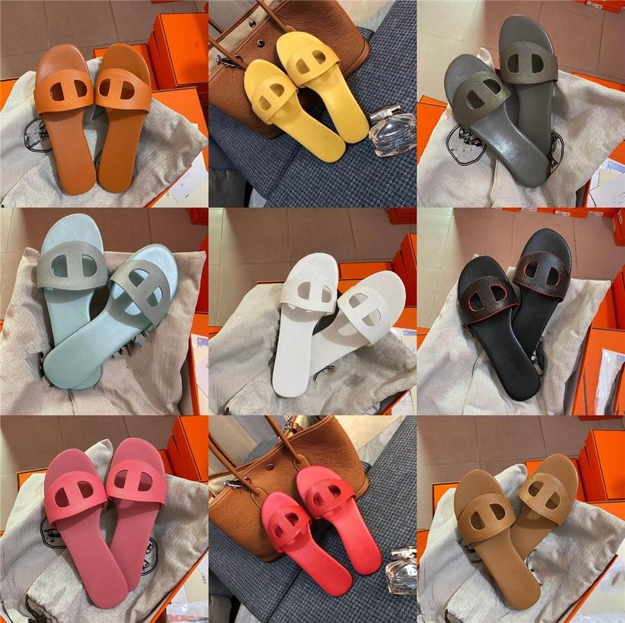 2020 de Moda de Nova Joker brilhante couro áspero Calcanhar Oriente Água Perfurar Rivet Palavra fivela com Open-Toe Sandals # 216