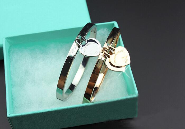 Klassische heiße Titan Stahl rose Gold Damen Armband Schmuck 18 Karat vergoldet exquisite Doppel Pfirsich Herz Armband Frauen mit box