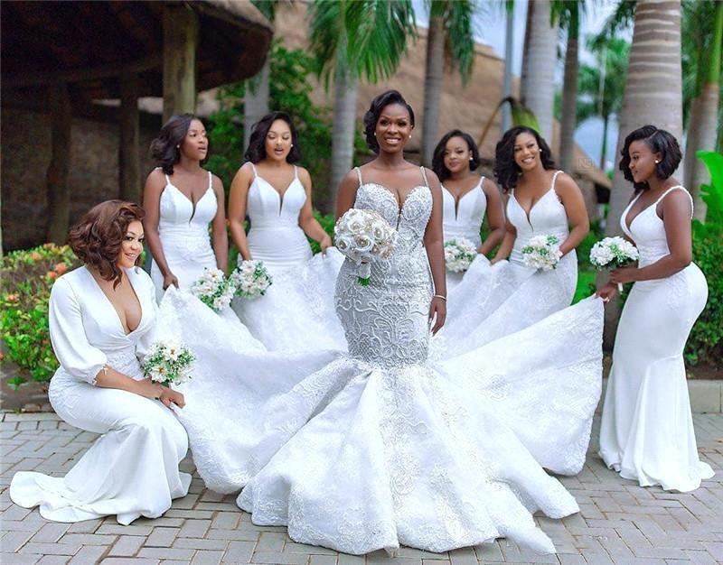 순수한 백색 인어 긴 신부 들러리 드레스 V 넥 스파게티 스트랩 계단식 껍질 웨딩 게스트 컨트리 하녀 명예 드레스 BM1675
