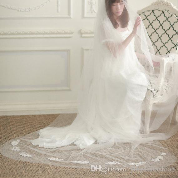Nouvelle haute qualité image réelle élégante à deux couches Applique Bord de coupe longueur de plancher en alliage Peigne Blanc Ivoire mariage Voile Meidingqianna Marque