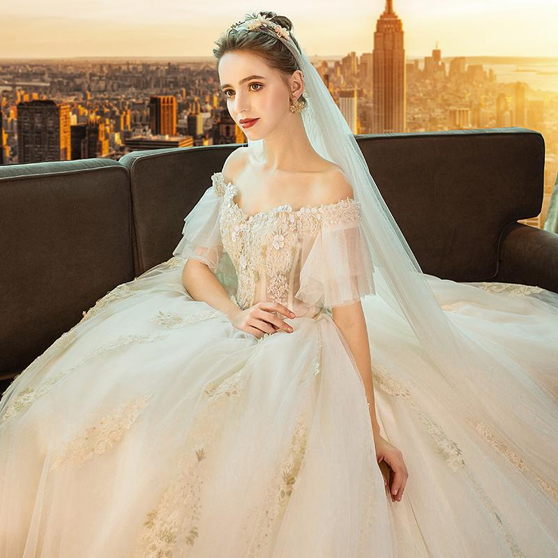 French light dress new winter female word shoulder Hepburn trailing white bridal gown