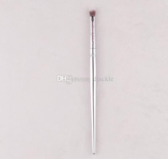 Chapeamento punho pequeno detalhe olho sombra pincel de escova da composição ferramenta de beleza