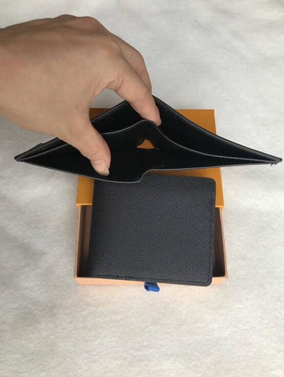 2019 مصمم جديد جراب محفظة عالية الجودة الرجال محافظ جلدية قصيرة للنساء الرجال عملة محفظة جلد مع محافظ # 608950