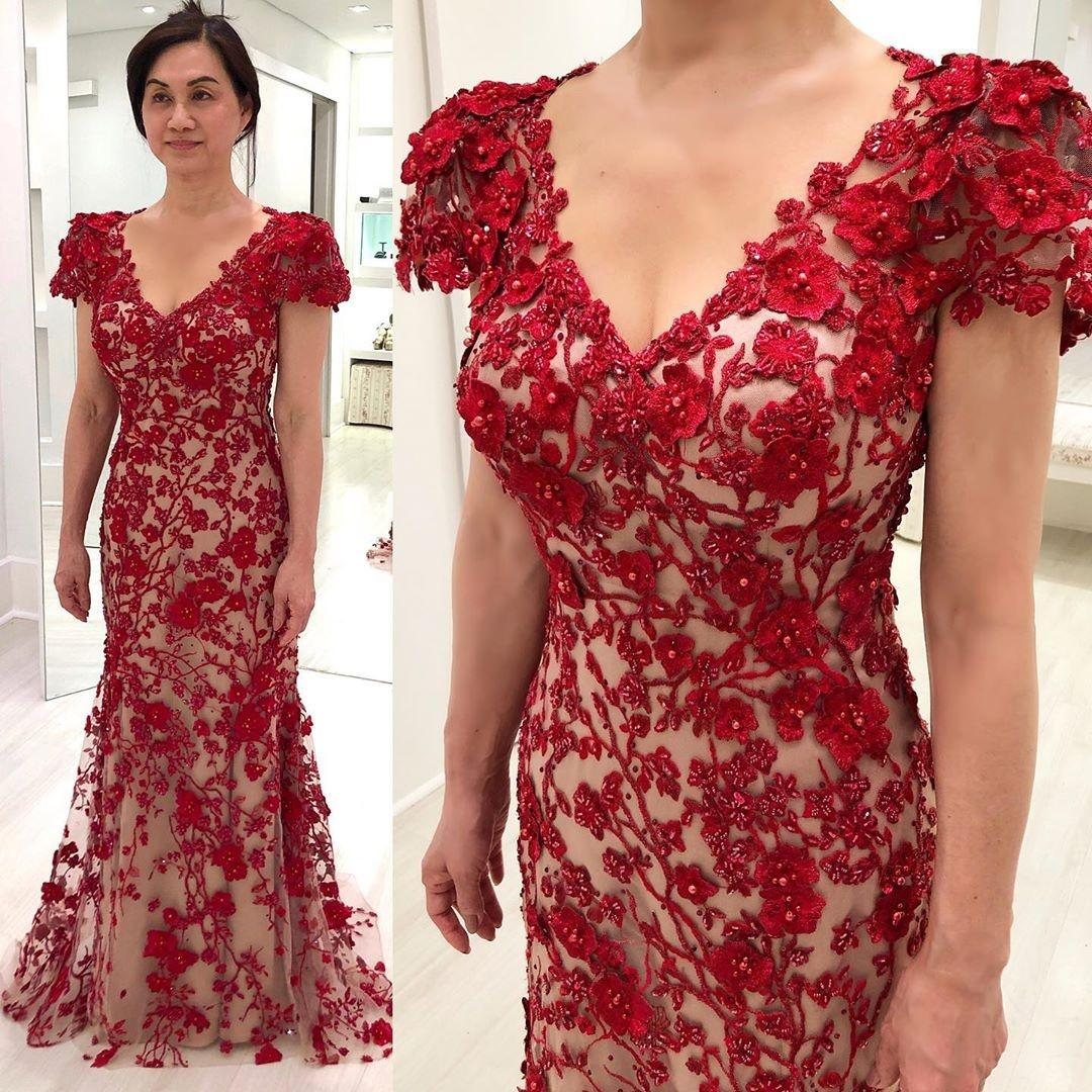 Classy Nixe wulstige Mutter der Braut-Kleid mit V-Ausschnitt Abendkleider bodenlangen Plus Size 3D Appliqued Hochzeits-Gast-Kleid