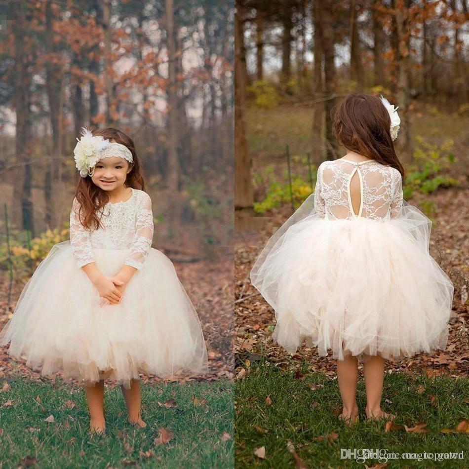 New White Ball Gown Puffy Cupcake Curto Criança Flor Meninas Vestidos Sheer 3/4 Mangas Na Altura Do Joelho Tule Pageant de Aniversário Vestidos de Comunhão