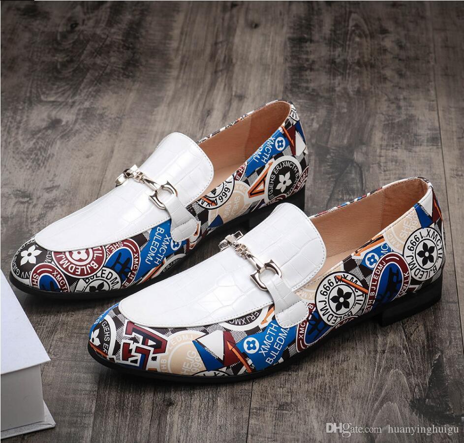 Les nouveaux hommes colorés Chaussures Casual Marque Hommes d'affaires Chaussures de sport Chaussures Respirant Couleurs mélangées Marche Homme Flats Y189