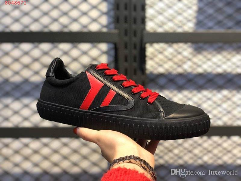 Lady spring and Autumn casual shoes Sky blue and blue black leather and canvas stitching design decoration wear-resisting non-slip