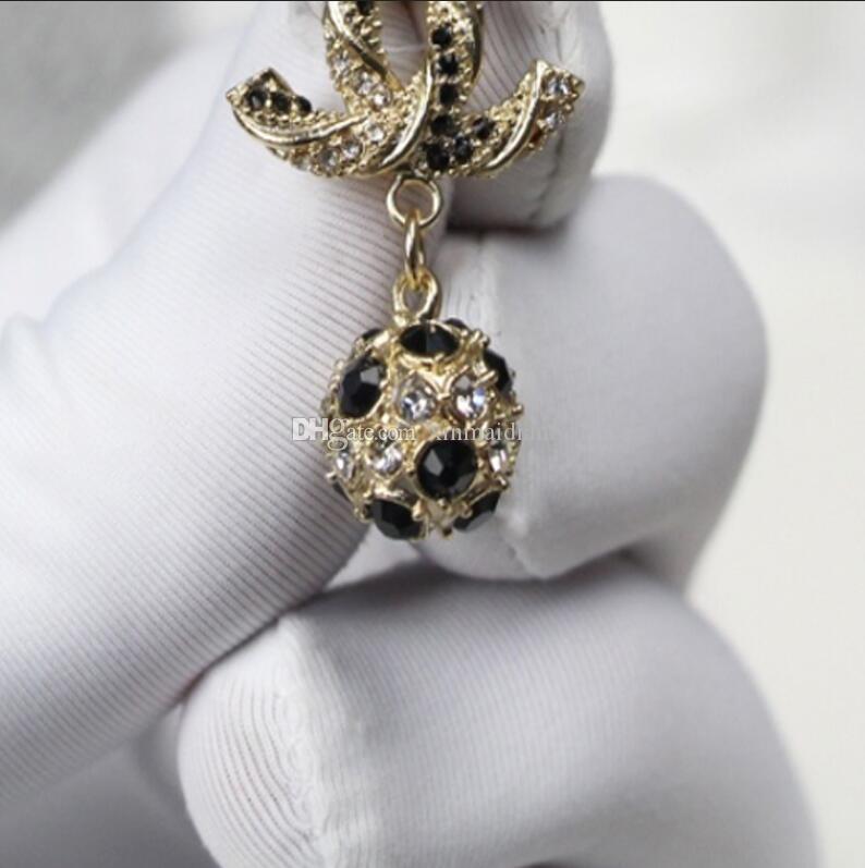 salvaje de lujo nueva joyería de alta calidad de las mujeres, con pendientes de las cartas de sello en blanco y negro de diamantes de imitación colgante de accesorios de la joyería
