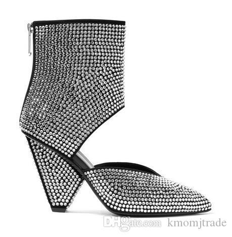 Kadın Paris Pist Livy Kesim Kristal Süslenmiş Deri Bilek Boots Defilesi Üst Kalite Ayakkabı