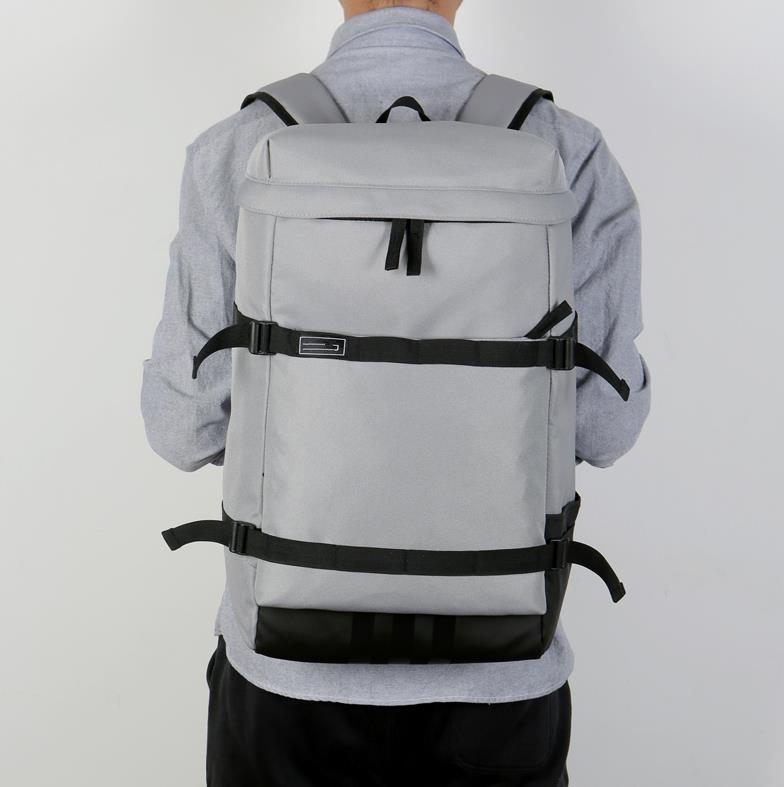 5 patrones de moda unisex Diseñador Mochila para mujer para hombre hombros de lujo bolsa de Marca hombros paquete Adolescente 4 colores Schoolbag QS 2020703Z