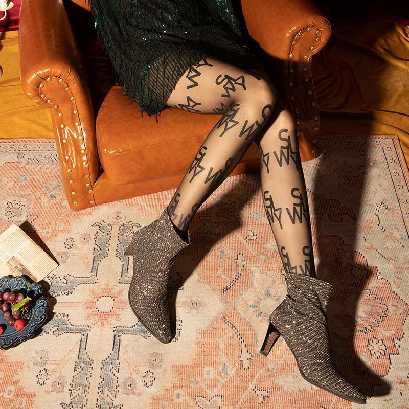 섹시한 양말 가을과 겨울 새로운 인기 로고 브랜드 영어 편지 핫 스타일 레깅스 슈퍼 얇은 임의 컷 팬티 스타킹 스타킹