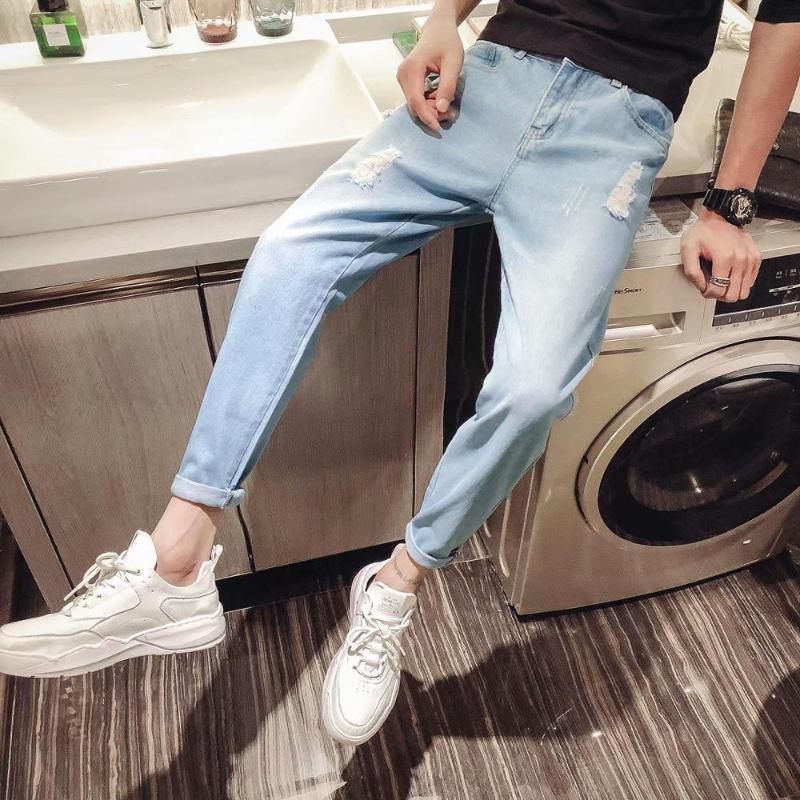 Großhandel 2020 beiläufige Art und Weise Denim der neuen Männer zerrissene Jeans lose beiläufige gerade koreanische Tendenz dünne Teenager Hosen