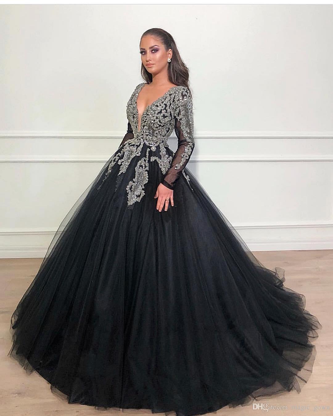 Dubai árabe Black Ball Gown Prom Dresses V Neck mangas compridas lantejoulas Beads Lace Applique doce 16 Dresses Quinceanera Vestidos Vestidos