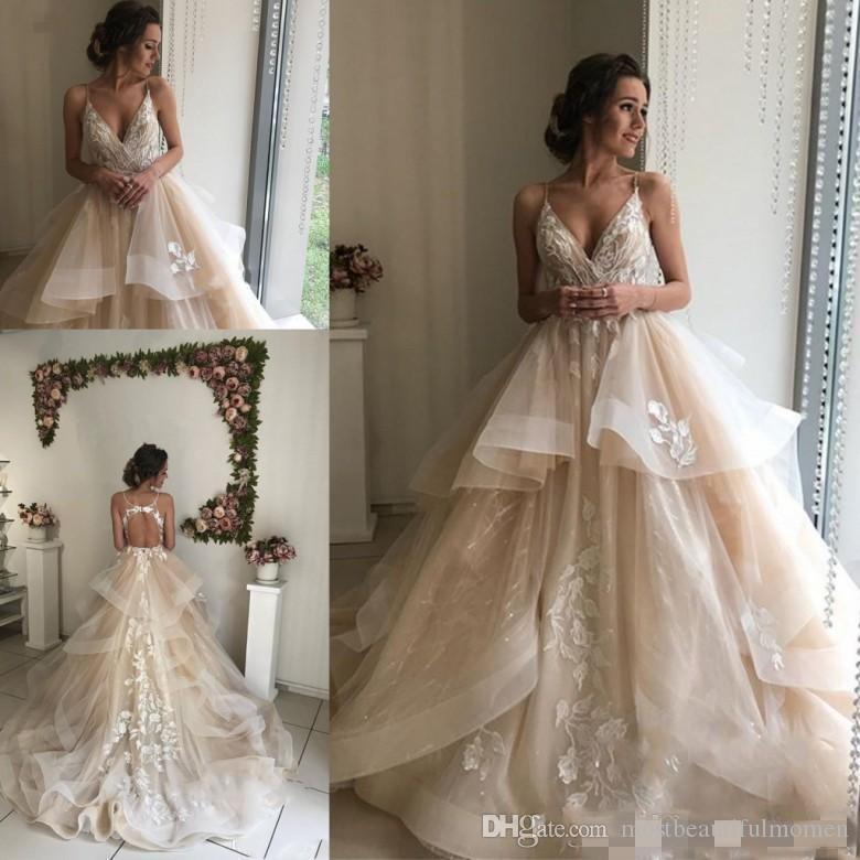 2019 Nouveau Champagne mariage floral robes sexy dos nu Volants Puffy Jupe dentelle Applique Robes de mariée Jolie