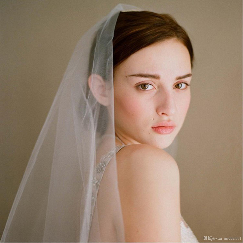 في سوق الأسهم الأزياء الأبيض اثنين من طبقة الحجاب الزفاف مع ملحقاتها مشط الزفاف رخيصة الحجاب الزفاف للحصول الزفاف
