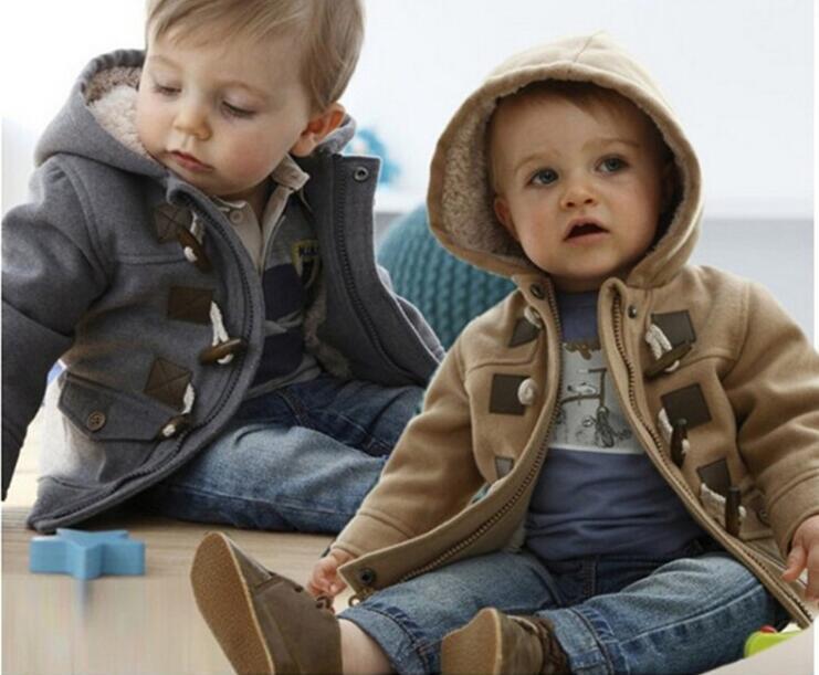 Bebés Meninos Jacket Roupa 2015 Brasão New Inverno 2 Cor Casacos grossos roupa dos miúdos Crianças roupas com capuz Retail Hot
