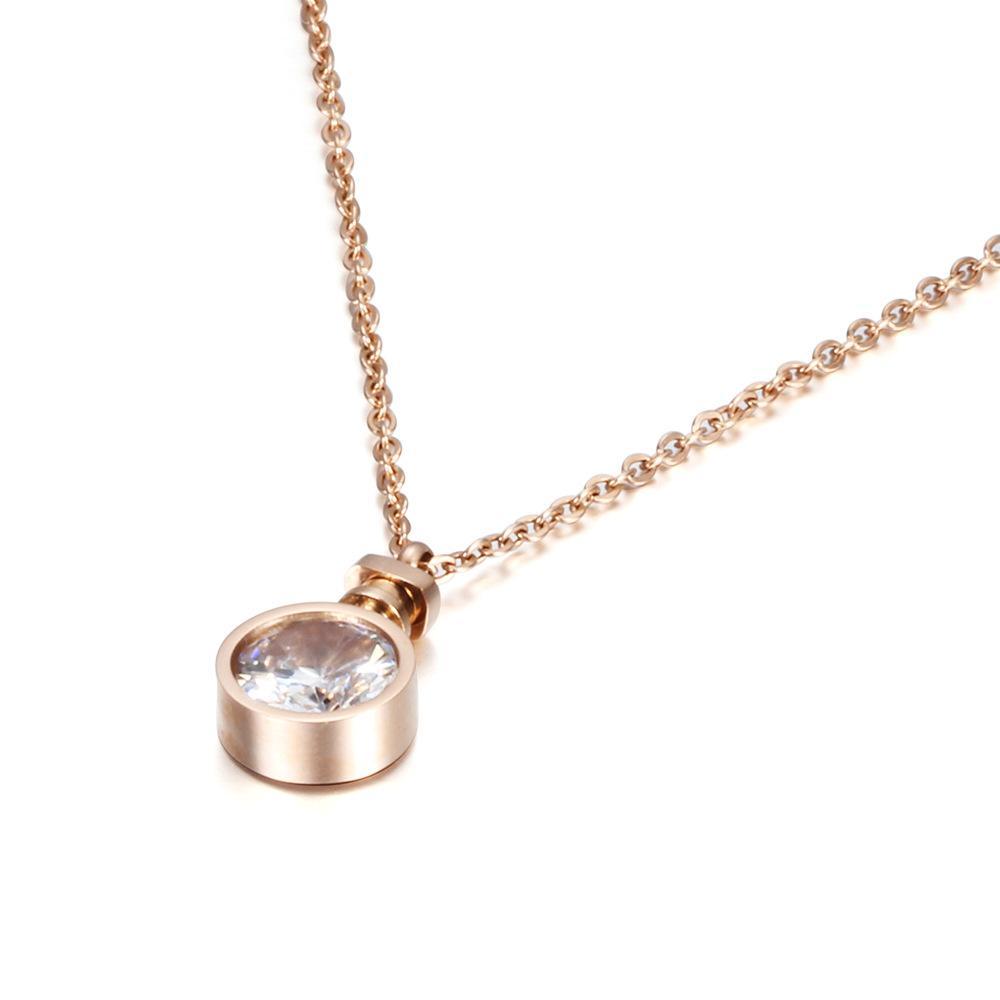 Fashion- Perfume Bottle Necklace Women's Exquisite Necklace Temperament Romantic Zircon Pendant Chain
