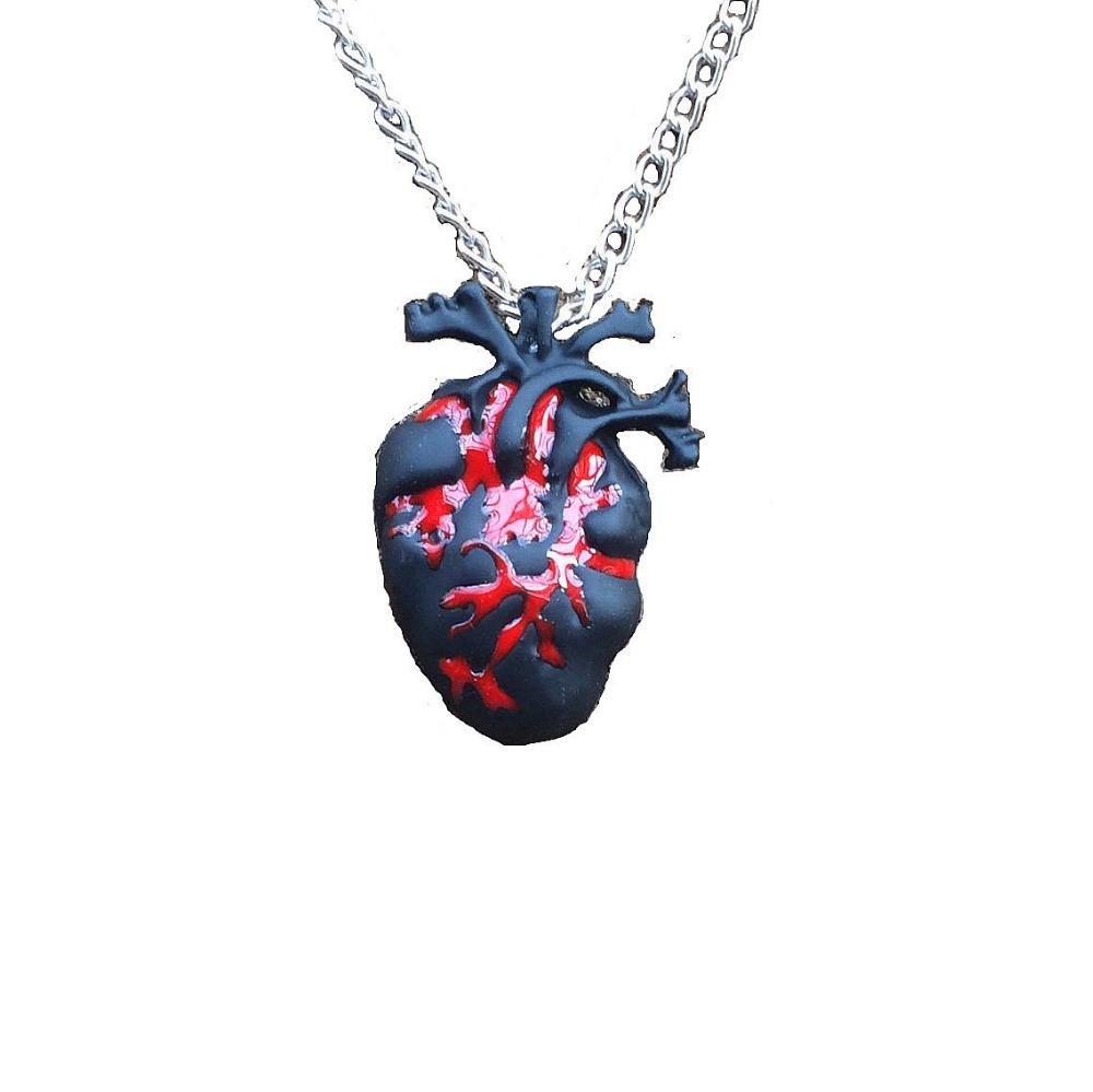 20pcs / lots nero rosso sangue Anatomia del cuore Collana Amore Horror alterantive gotico Anatomia cuore collana nera