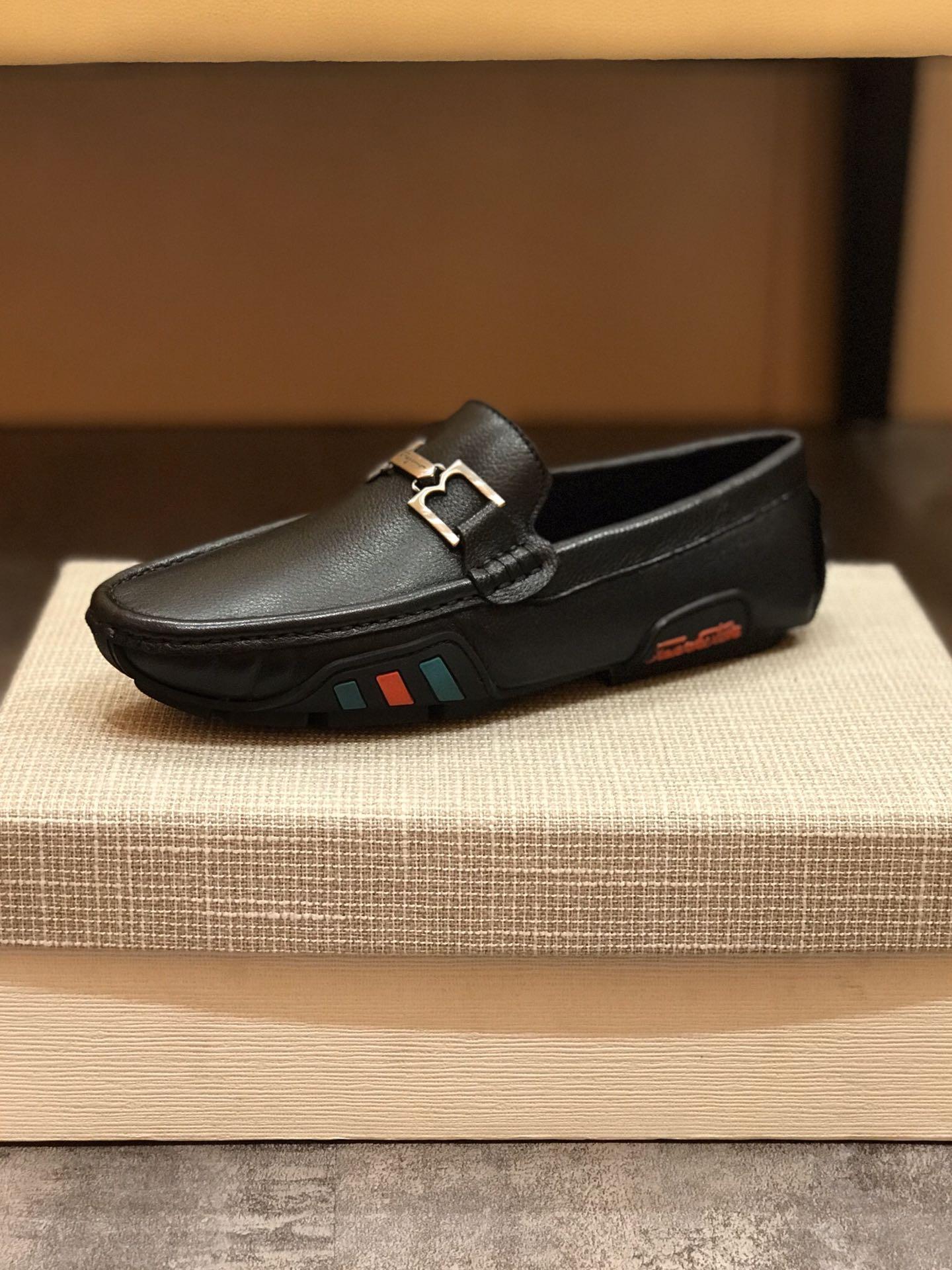 2020 Yüksek uç erkekler rahat ayakkabılar İngiliz moda inek derisi rahat, nefes alabilen, tembel, antiskid ve HY574 dış taban aşınmaya dayanıklı kauçuk