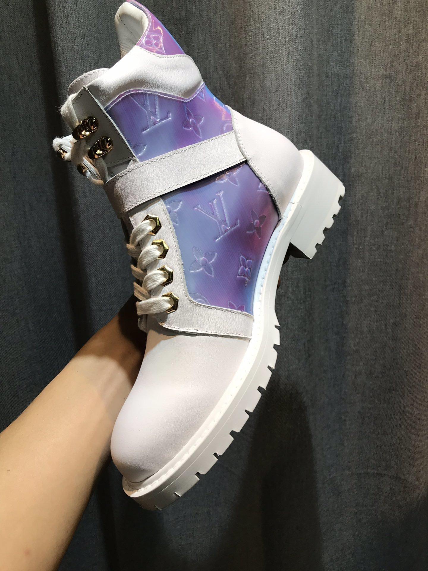 Novas parte superior das senhoras de luxo Martin botas de couro botas fashion plataforma das mulheres outdoor botas de neve confortáveis entrega rápida caixa original
