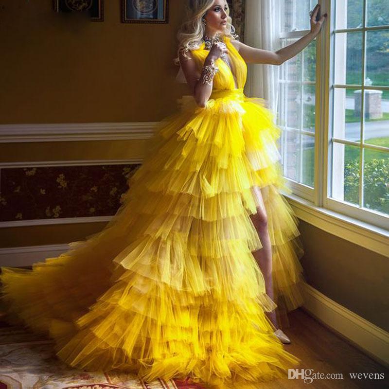 Moda Amarelo Alta Low Lote Split Split Vestidos Deep V Neck Uns Backless Ruffles Tier Tule Skirt Vestido Vestido Vestir Vestidos De Partido Da Noite
