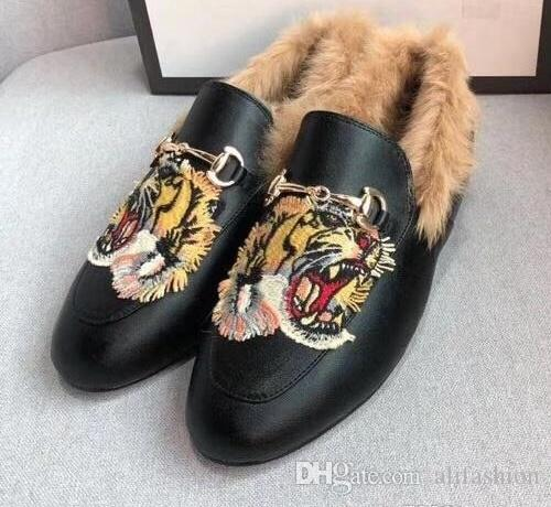 Marque femmes cuir vache hiver lapin robe fourrure mariage chaussures Espadrilles Mocassins plat Mocassins Chaussures brodées Tiger Oxfords Appartements, 34-41