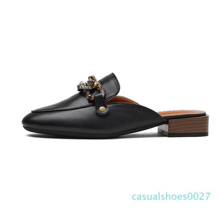 Punta chiusa Mule Donne tacco basso Slipper decorazione in metallo scarpe Slides slittamento casuale sui fannulloni Muli Sandali Mujer Nero Beige C27