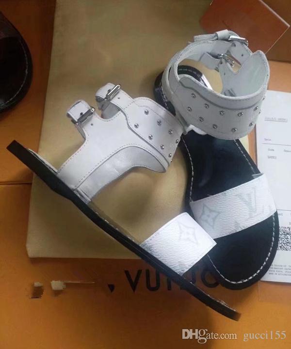 Las famosas sandalias de diseñador de la marca Súper. 2019 sandalias de mujer están hechas de cuero vintage Las sandalias femeninas Internet sensation shoes1127 N16