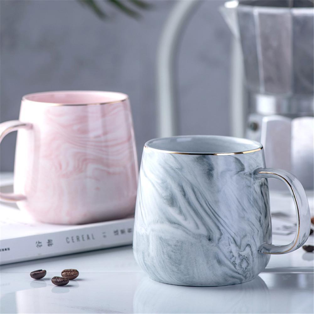 Modello in marmo di lusso Tazza in ceramica placcato oro con manico tazze mattina latte caffè tazza di tè rosa grigio coppia regalo famiglia 1pcs T8190627