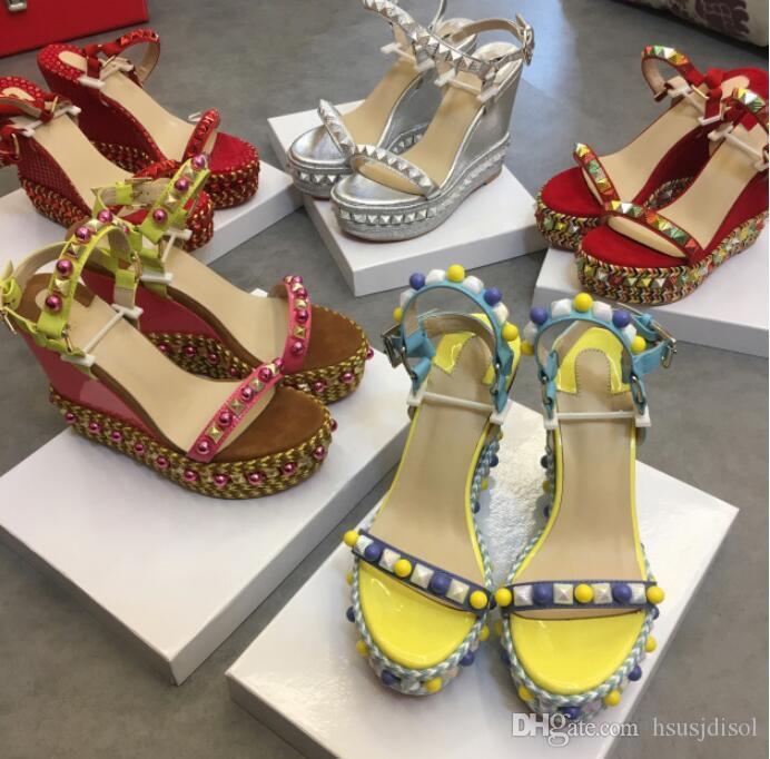 2019 estate nuovi sandali stile zeppa con fondo spesso scarpe da donna Red Bottom rosso rivetti scarpe di corrispondenza di colore scarpe di grandi dimensioni