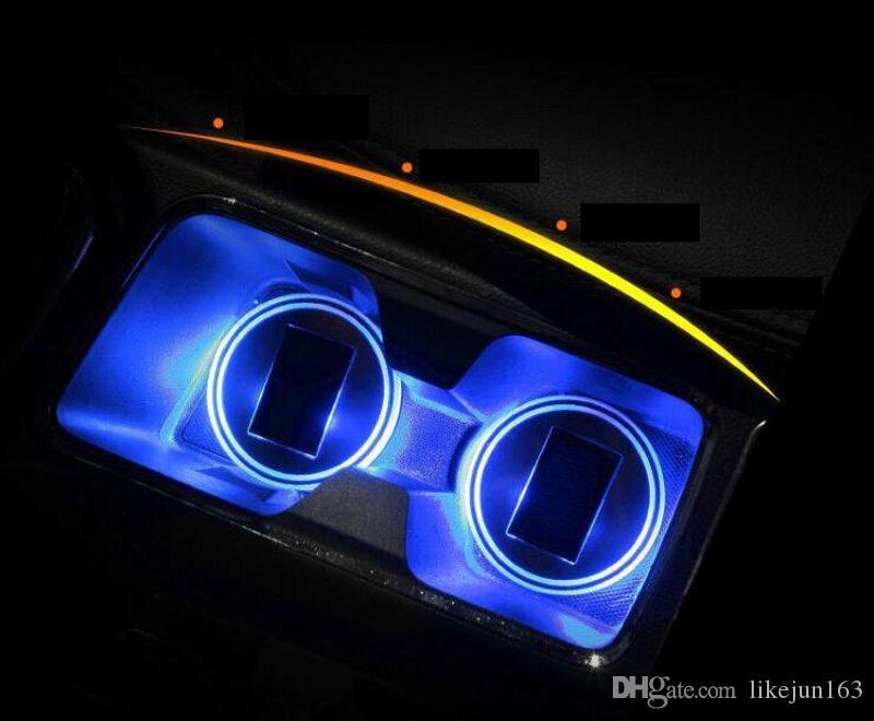 Tappetino portabicchieri antisdrucciolo per auto a LED monocolore Tappo per bevande Sensore di luce a vibrazione incorporato sottobicchiere