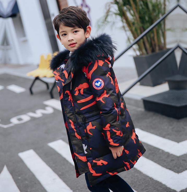 아이들이 따뜻한 두꺼운 의상 소년 의류 아동 파카 다운 80 % 하얀 오리를위한 패션 위장 긴 후드 코트 outerewear 겨울 소년