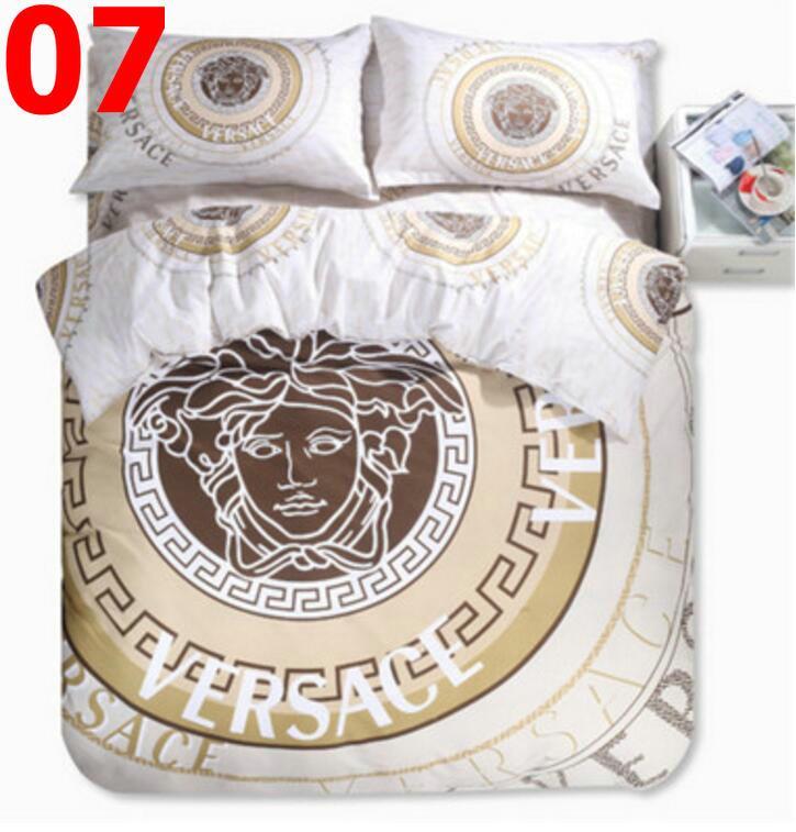 2020 Queen Bed Comforters Sets Designer-Bettwäsche-Sets decken Steppdecken-4 Stücke Klage Baumwolllaken gesetzt Betten Schlafsaal Einzelbett dreiteilig