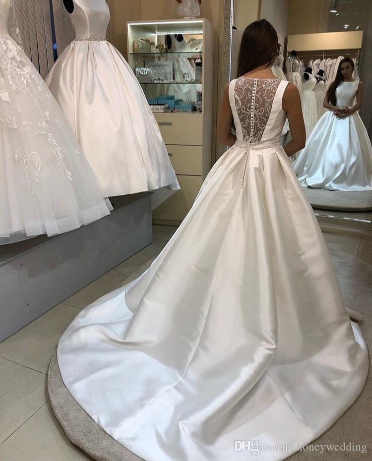 Simple A-ligne robes de mariée en satin ivoire Scoop Blanc Retour en dentelle Robe de mariée 2019 nouveau cristal perlé Sash robe de mariage élégant