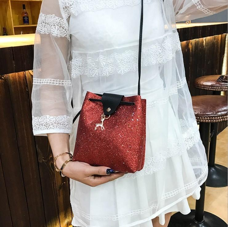 Lucky2019 Woman Season Ma'am Personality Paillette Fawn Single Shoulder Span Hand Take Small Change Mobile Phone Package