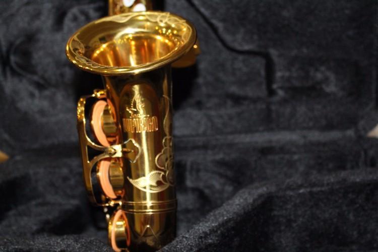 Vaka Ağızlık Eldiven Kamışlar olan Zarif El Oyma Yüksek Kalite Pirinç Altın Vernik Soprano Saksafon İnci Düğme Yeni Sax Enstrüman
