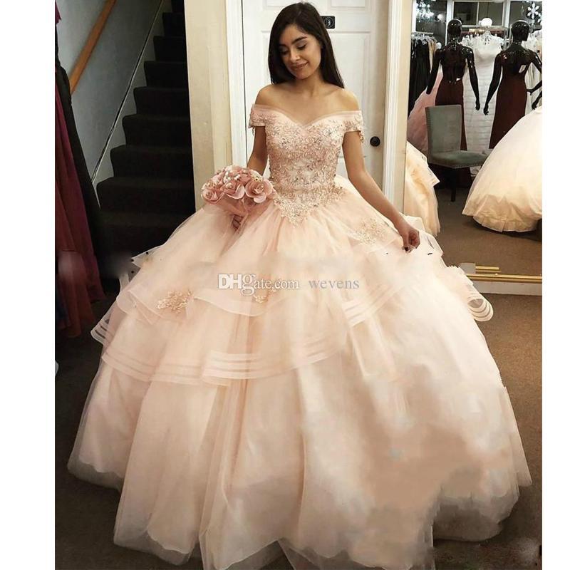 Süße hellrosa Perlen Quinceanera Kleider aus der Schulter Appliques Stufenrock Puffy Abendkleid bodenlangen Korsett Abendgesellschaft Kleid