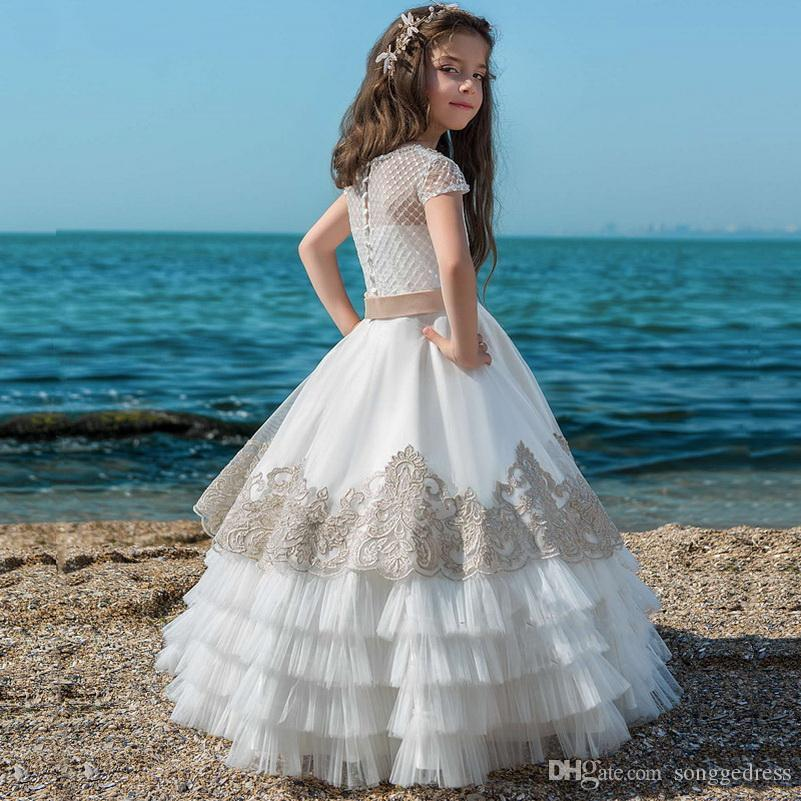 2020 vestiti nuovo Flower Girl Dress in pizzo Appliques del manicotto della protezione degli abiti di sfera con bordare telaio da sposa ragazze di fiore di Prima Comunione