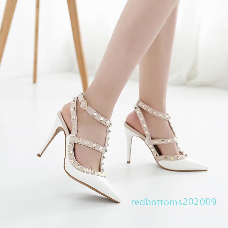 34-43 grandes estação Europeu rebite sapatos de salto alto apontou com a cabeça único saco de sapatos cinta envernizada lyudine sandália r09 feminino