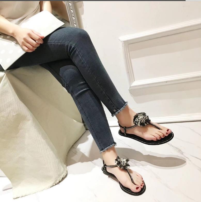 Womens DesignerLuxury Sandalet Terlik Flop Kutusu 2021613Q çevirin Siyah Ayakkabı Yaz Moda Ayakkabılar Plaj Ayakkabı Slide
