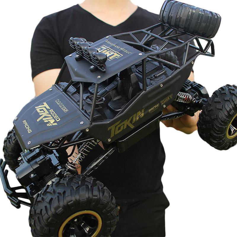 RC Car 1/12 4CH Roca rastreadores de doble conducción de coches motores de accionamiento remoto Bigfoot Niños Modelo de Control de la suciedad juguete para vehículos todo terreno bicicletas