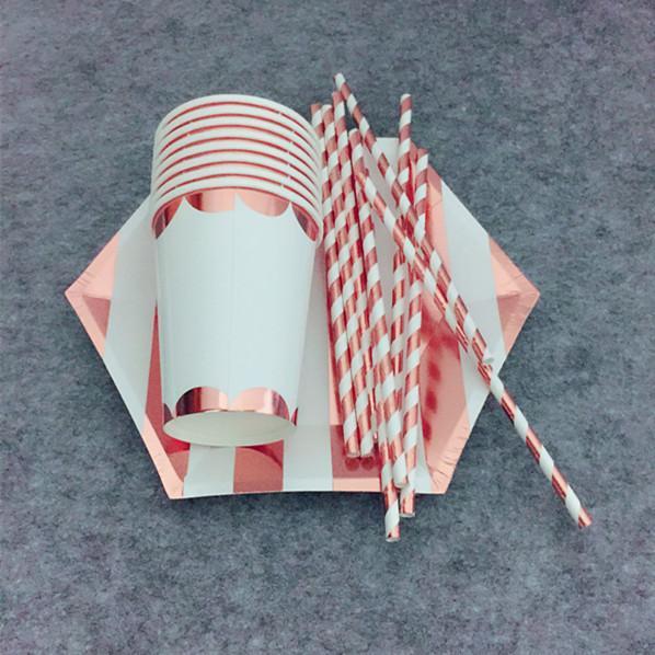 24 مجموعات روز الذهب احباط أدوات المائدة مجموعات لوحات مخطط التقوقع احباط أكواب معدنية احباط القش لحفل زفاف عيد الميلاد