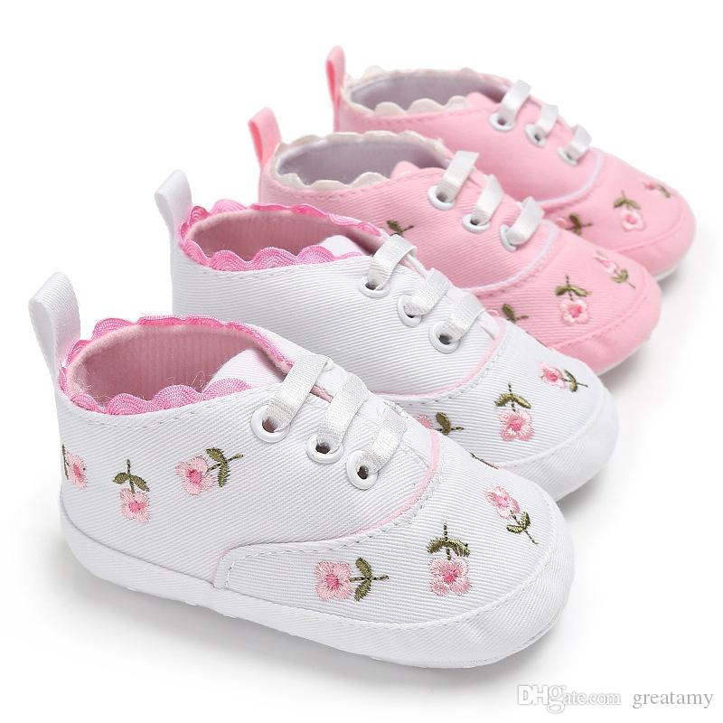 Baby Shoes White Pink Embroidery Floral Children Children Soft Newborn Shoes Flower Prewalker Walking fit 0-2T Kids