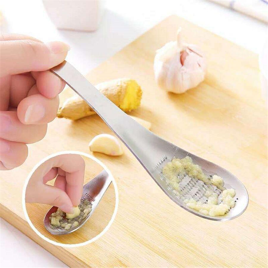 Practical Stainless Steel Garlic Ginger Grater Grinder Lemon Zester Spoon Wasabi Grinding Tool Kitchen Accessories JK2003