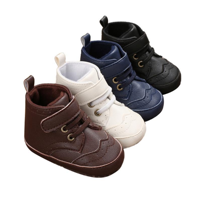 Il nuovo modo infantile delle ragazze dei ragazzi-High Top Sneakers caviglia Sport Shoes antiscivolo suola molle pattini della greppia Prewalker Newborn primi camminatori