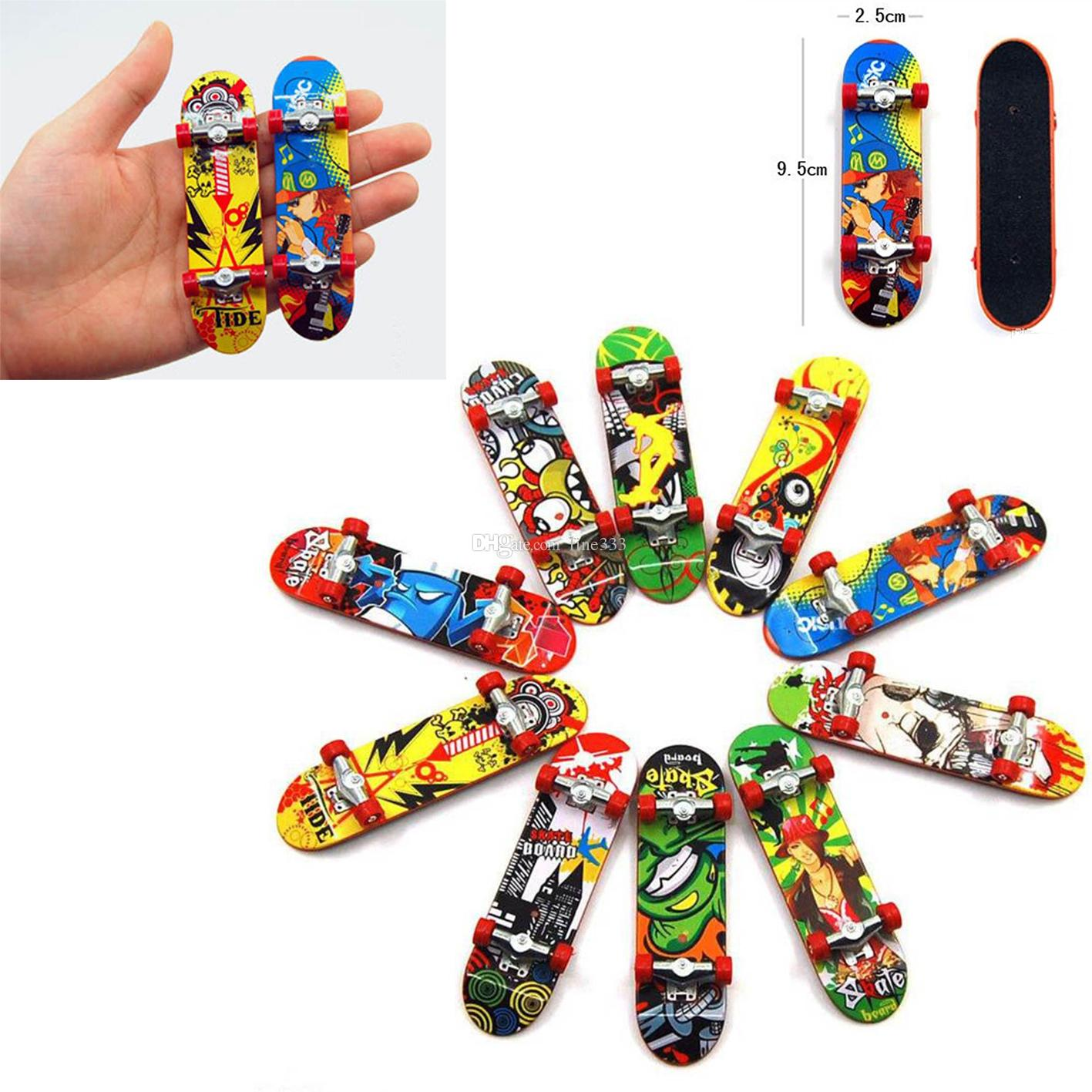 Mini Finger boards Skate truck Print professional Plastic Stand FingerBoard Skateboard Finger Skateboard for Kid Toy Children Gift