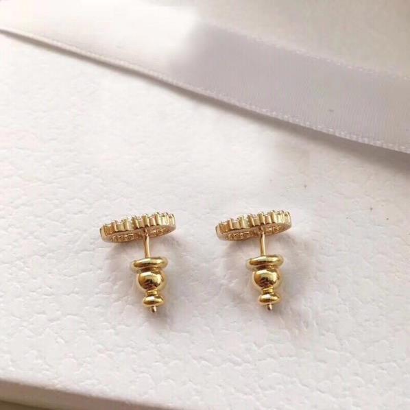 С коробкой модный бренд имеет штампы жемчужные дизайнерские серьги для леди женщин партии свадебные любители подарок обручальные роскошные ювелирные изделия для невесты HB20